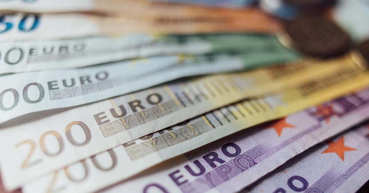 EUR: слабость на фоне локдауна