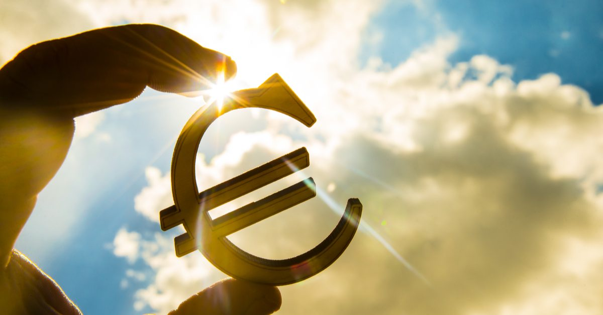 EUR: the ECB protocols and the US statistics
