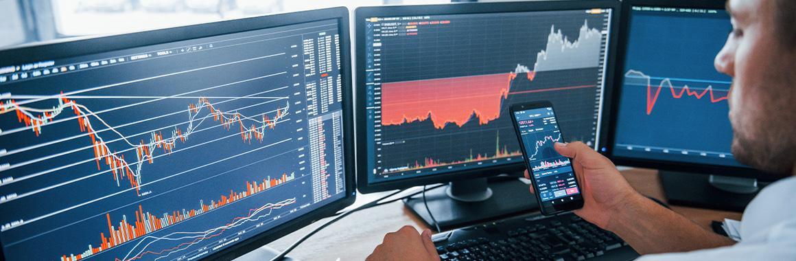 Xếp hạng tháng XNUMX: Người dẫn đầu và người ngoài cuộc trên thị trường chứng khoán trên toàn thế giới